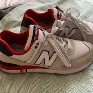 New Balance sneakers (lightly worn)